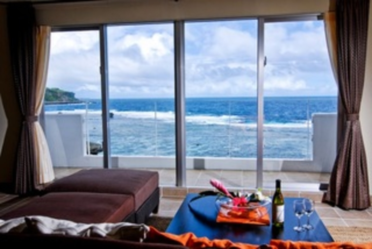 部屋から海が一望できます