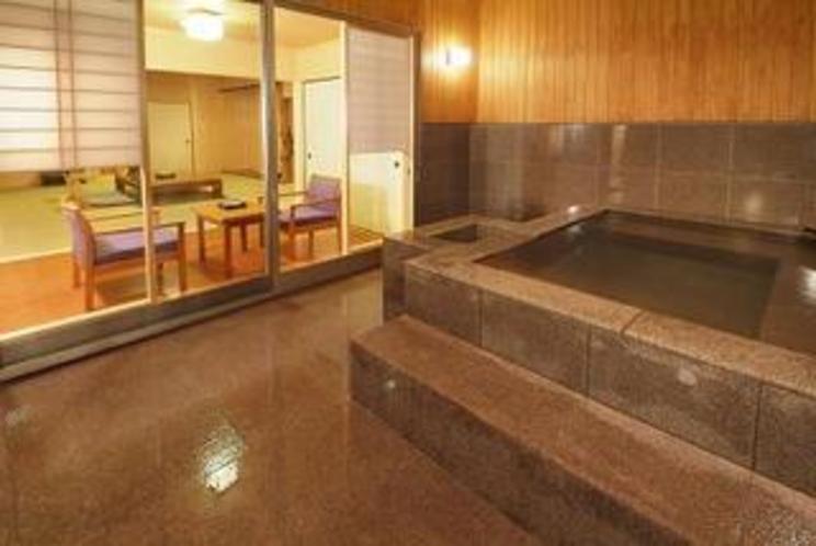 客室(半露天風呂)