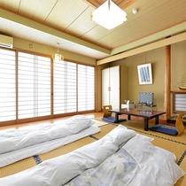 「和室10畳」一例。無数に立ちのぼる別府の湯けむりをご覧いただけます