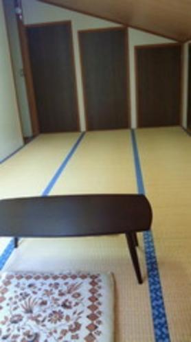和室9畳(屋根傾斜部屋)
