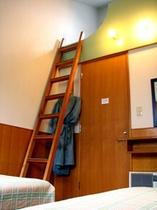 ツインロフト・3名室