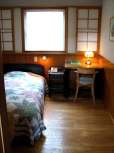 シングル室   禁煙・バス・トイレ別
