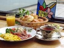 朝食…ホームメイドの洋食のみ