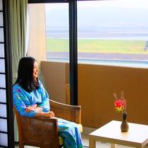 菊池川の眺望に癒されるお部屋でのんびり