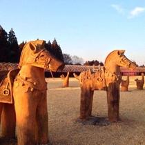 【周辺】 「装飾古墳館」には埴輪(はにわ)も並んでいます