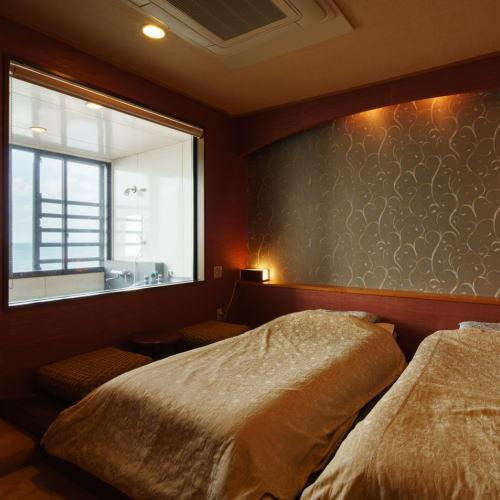 展望風呂付特別室  ベッドルームより
