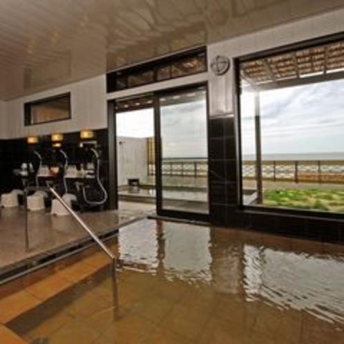 浴室からも日本海を眺めることができます