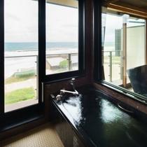 展望風呂付特別室 源泉使用の展望風呂より