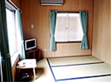 個室和室2名