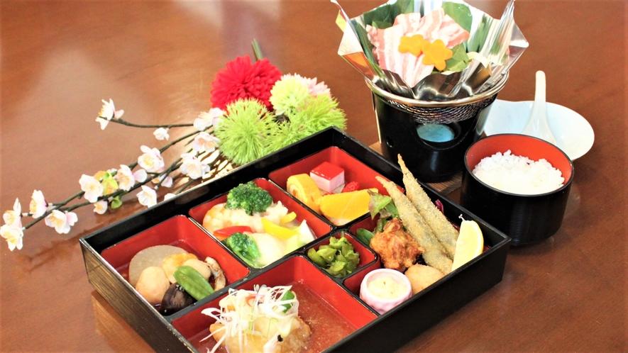【ご夕食】メイン(お肉orお魚)が選べる特製和洋御膳と季節の汁物