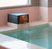 大浴場:湯出し口
