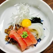 夕食例:日本海で獲れたてのお魚のお刺身です