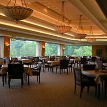 *クラブハウス2階のレストラン