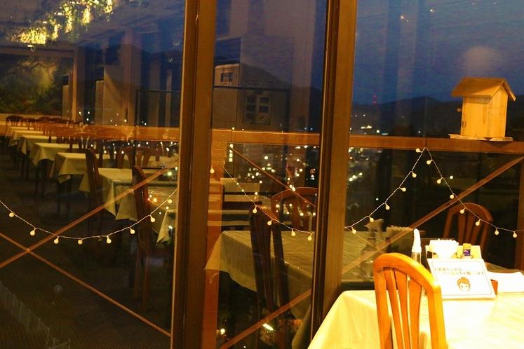 みはる苑からの夜景(レストランからが綺麗♪)