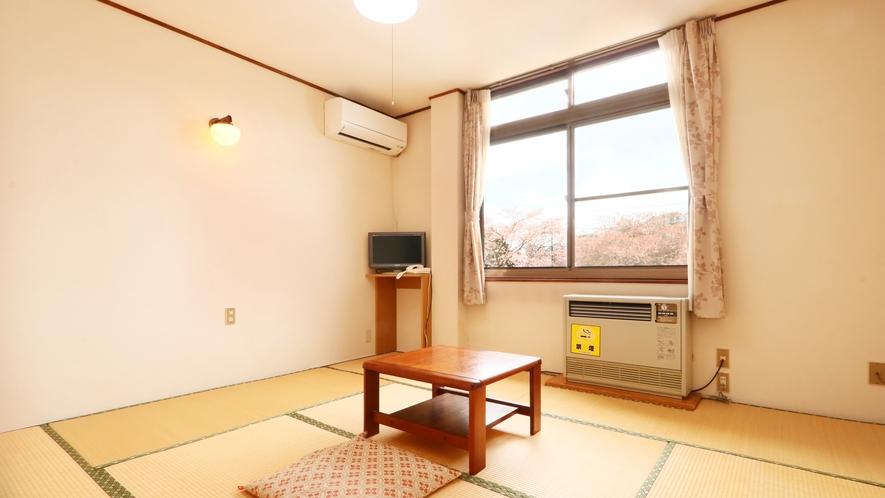 8畳◆2名様でご利用いただける明るいお部屋です