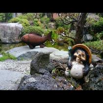 庭には湧水が流れ、目の前に広がる富士の雄姿を望める宿