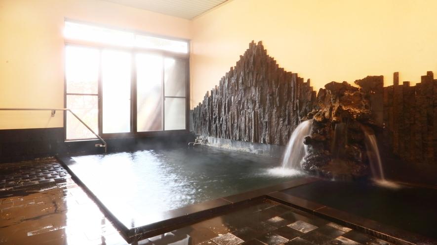 熔岩温泉◆熔岩が敷き詰められている為、良質な温泉と同じ効果が!