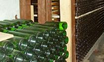 熟成中の「山中湖ワイン」