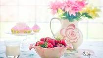 爽やかな朝に、フレッシュな果物と花束を!