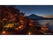 ' 日本の渚 百選 ' の山中湖『夕焼けの渚』の紅葉 Ⅲ