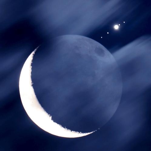 三日月と木星