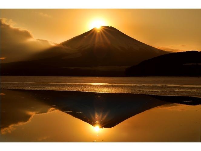 山中湖のダイヤモンド富士