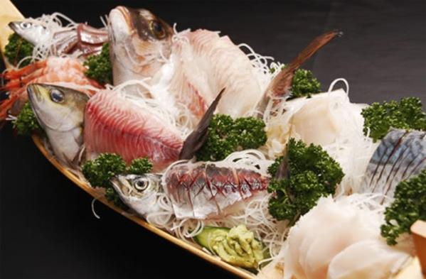 【りんうっど名物!】 80cmの舟盛り☆金目鯛の煮付など海の幸盛り沢山♪お部屋は禁煙です。