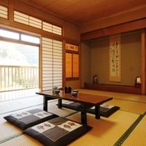 和室10畳 とても寛げる空間です。