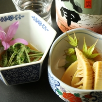 地酒&本日の一品♪(山菜料理)大人の時間~