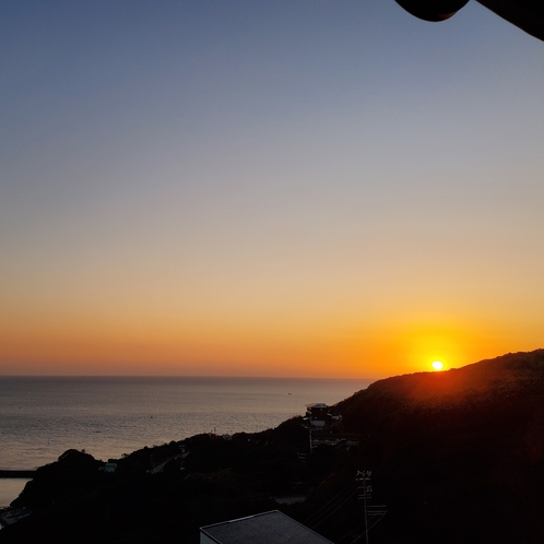 当館からの見る秋~冬の、朝日