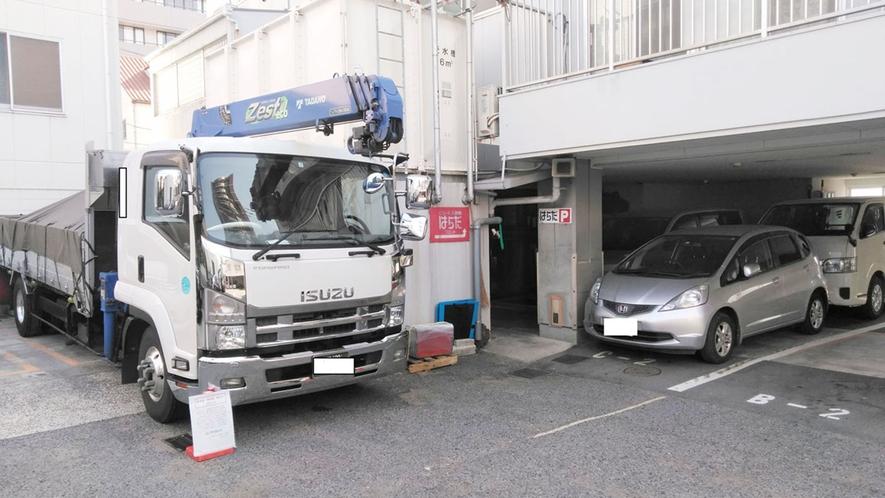 ・【駐車場】大型車1,200円/日(1台)