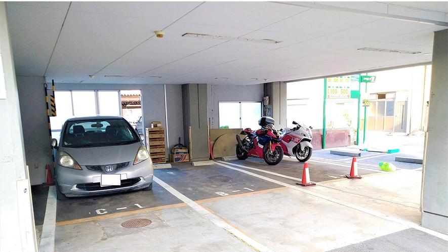 ・バイク駐輪場
