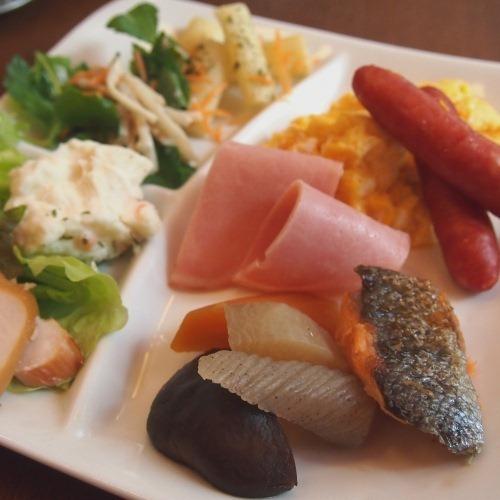 朝食【盛り付け例】