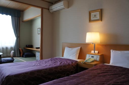 畳でゆっくり、お休みはベッドにて 街側・和洋室【Wi-Fi】