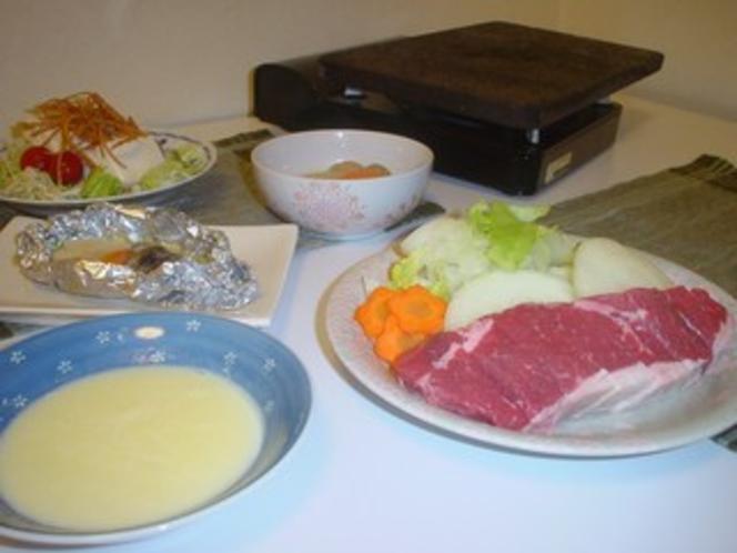 夕食の1例(大人及び小学生高学年)*高学年用は品数・量が異なります。