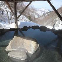 【メルマガ500】春の雪見露天風呂