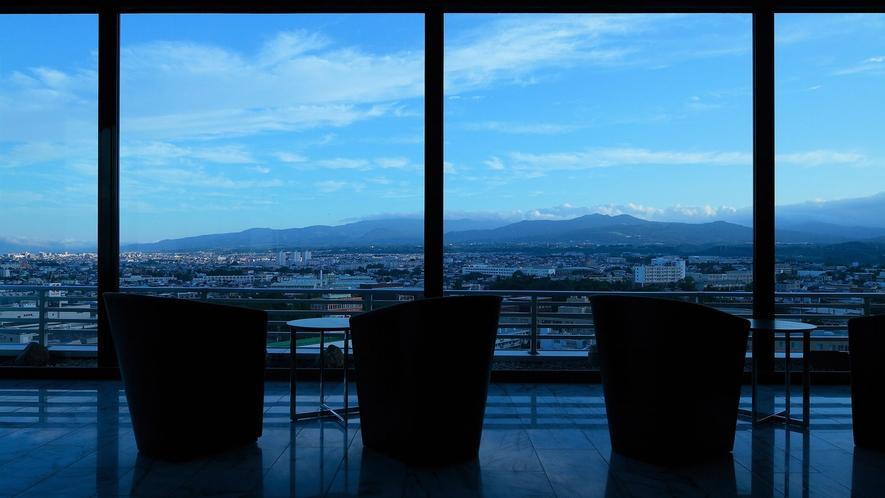 【SKY SALON BOUKYOU】リッチな空間でお風呂上がりのひと時を…函館市街も一望できます