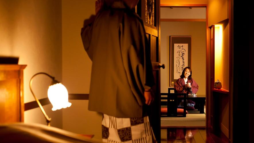 【WAMODERN和洋室】レトロなランプやステンドグラスが懐かしさを演出します。