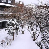 【日本庭園】<冬>季節によって変わるその風情を、お愉しみください。