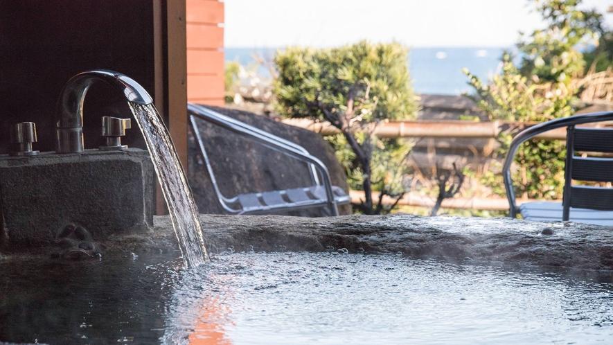 *お部屋の温泉露天風呂【岩風呂】美人の湯「榊原温泉の湯」