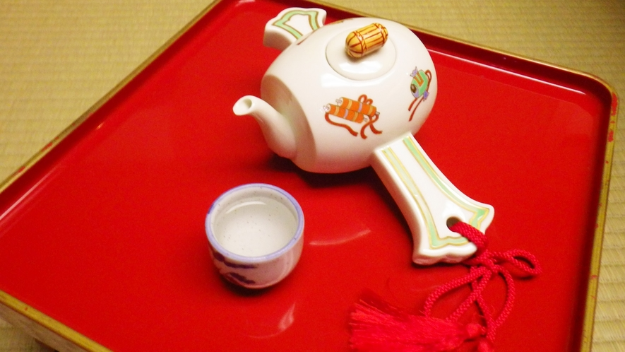 *ご夕食一例/打ち出の小槌から注がれたお飲み物でさらに運気アップ!