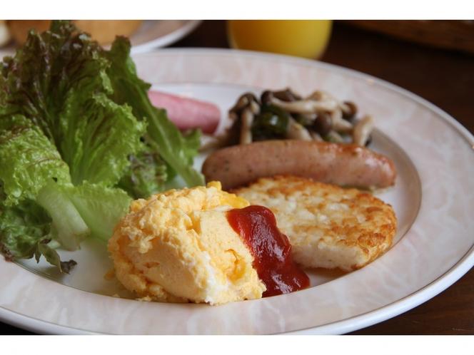 朝食一例 素材にこだわって 丁寧にお作りしています