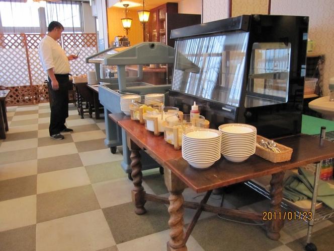 朝食 朝食スタンバイ中