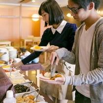 ■朝食はバイキングです ワイワイとお召し上がりください