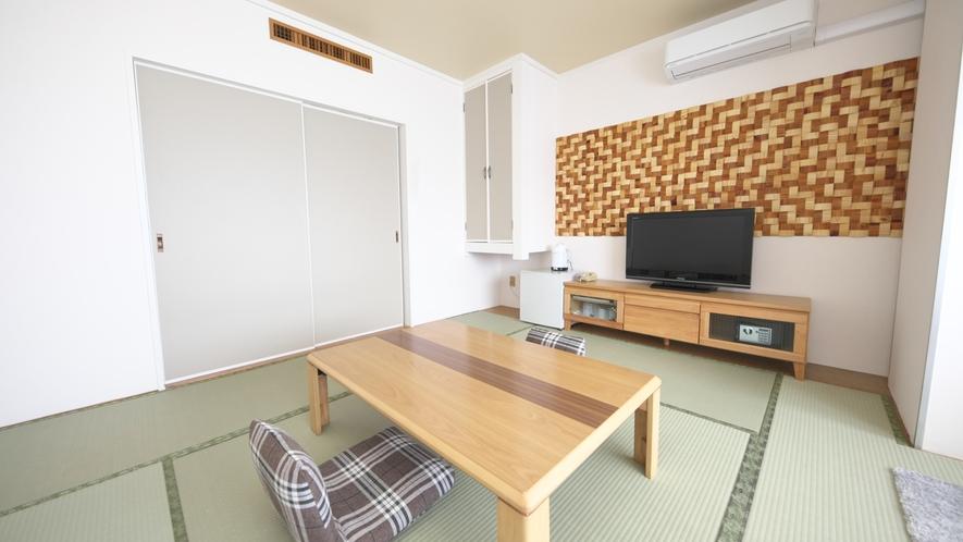 【和室】10畳★芦ノ湖ビュー★デザイン性の高い和室。ゆっくりとお過ごしください♪