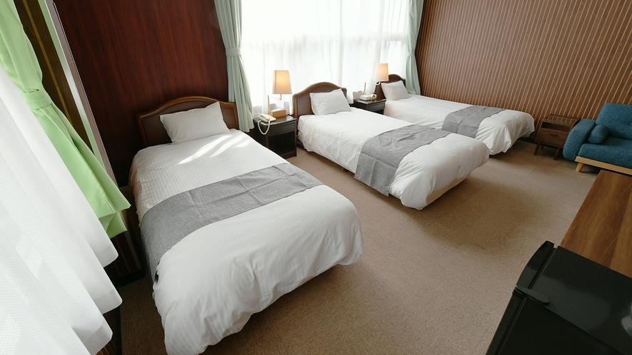【洋室】トリプル 上質な寝室でゆっくりとお休みいただけます♪