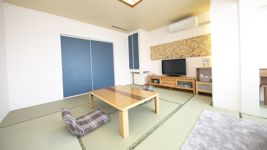 【和室】10畳★芦ノ湖ビュー★日差しの心地良い空間でゆっくりとお過ごしください♪