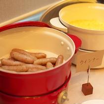 【朝食ブッフェ】ブッフェと言えば食べたくなるソーセージももちろんご用意しております!