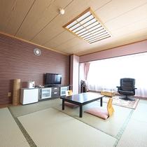 【和室】12畳(最大4名利用)★芦ノ湖ビュー★当館で最も眺望が良い人気のお部屋です♪