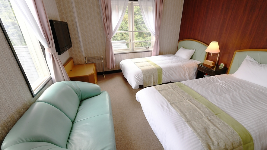 【洋室】ツイン 上質な寝室でゆっくりとお休みいただけます♪